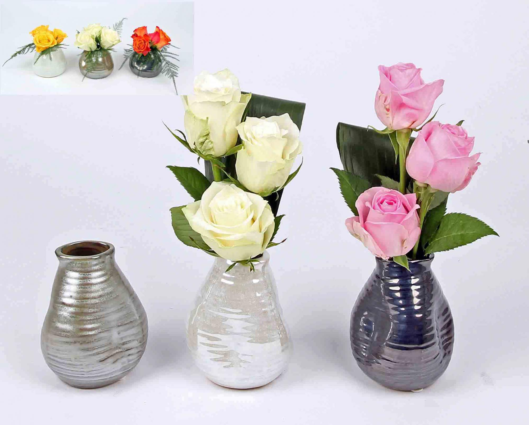 Trendy deco vaasje met 3 rozen