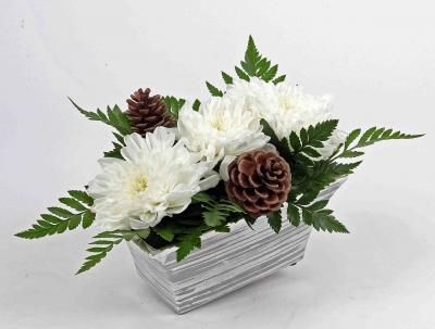 Zilveren bak met snijbloemen